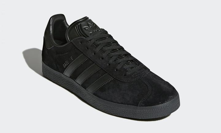 """8/21発売!ピッグスキンヌバックのアッパーにアーカイブモデルのカラーをあしらった adidas Originals GAZELLE """"Triple Black"""" (アディダス オリジナルス ガゼル """"トリプル ブラック"""") [CQ2809]"""
