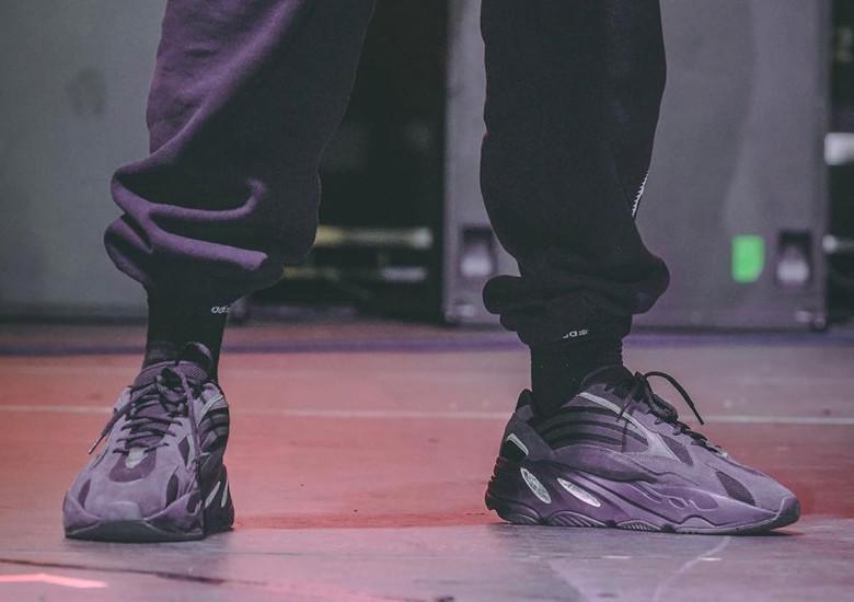 """2019年春リリース予定!アディダス イージー ウェーブ ランナー 700 """"トリプルブラック"""" (adidas YEEZY WAVE RUNNER 700 """"Triple Black"""")"""