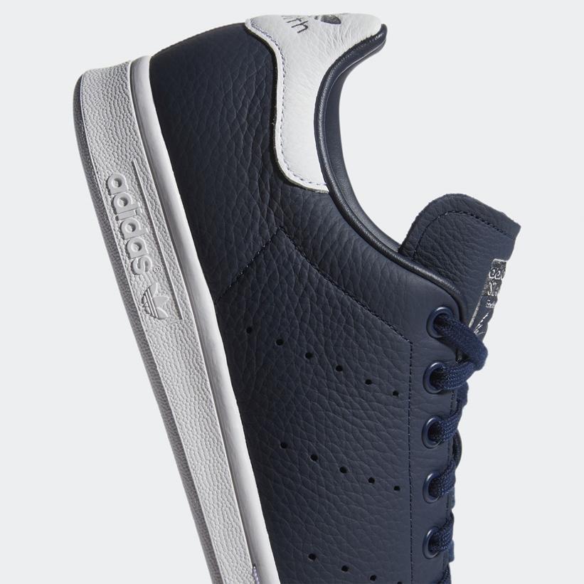 """カレッジネイビーカラーでシックな アディダス オリジナルス スタンスミス """"カレッジネイビー/フットウェアホワイト"""" (adidas Originals STAN SMITH """"College Navy/Footwear White"""") [FY5866]"""