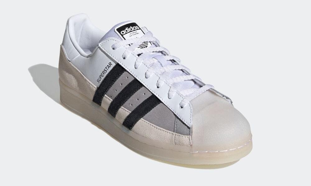 """5/20 発売!スケートスタイルのアディダス オリジナルス スーパースター """"ホワイト/ブラック/ライトチャコール"""" (adidas Originals SUPERSTAR """"White/Black/Light Charcoal"""") [FX5565]"""