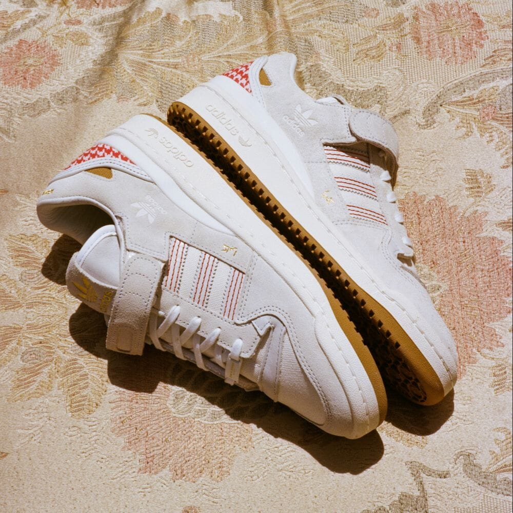 """5/28 発売!国際女性デーを記念した ARWA AL BANAWIとコラボ!adidas Originals FORUM 84 LOW """"White"""" (アルワ・アル・バナウィ アディダス オリジナルス フォーラム 84 ロー """"ホワイト"""") [G58260]"""