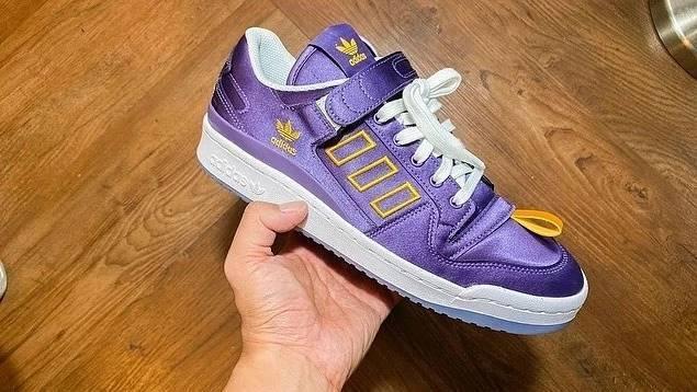 """Kasina x adidas Originals FORUM LOW """"Tech Purple/White"""" (カシーナ アディダス オリジナルス フォーラム ロー """"テックパープル/ホワイト"""") [GY7494]"""