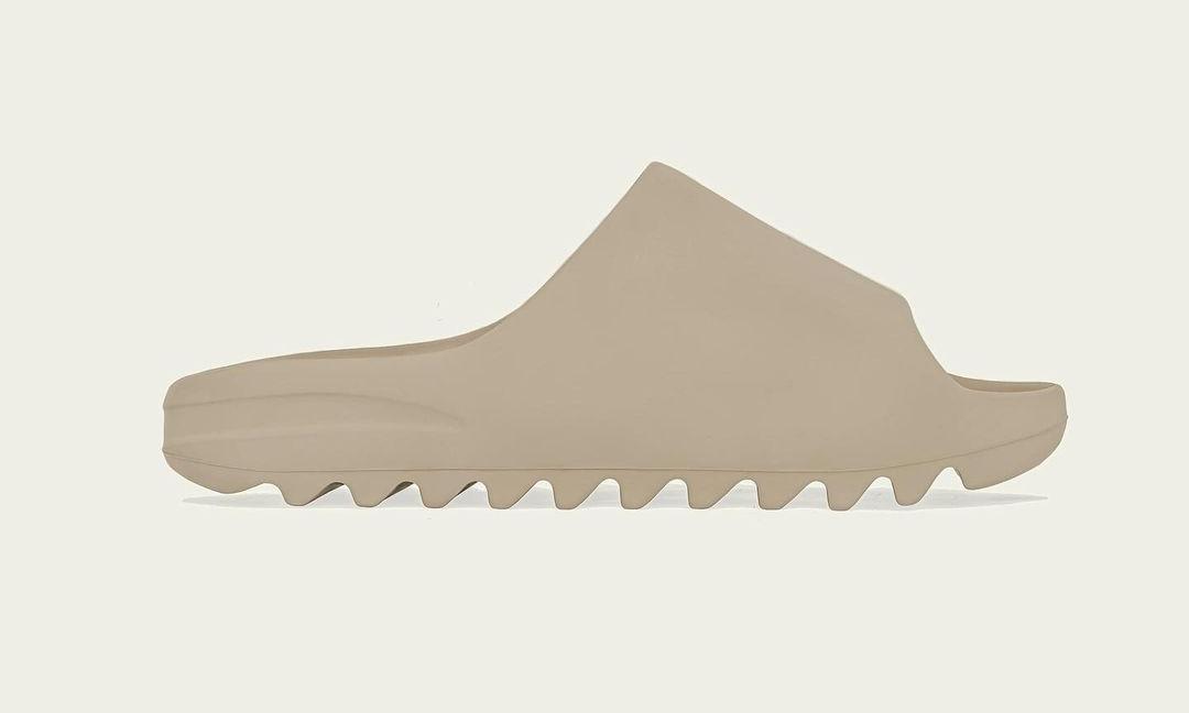 """【12月発売予定】adidas Originals YEEZY SLIDE """"Ochre"""" (アディダス オリジナルス イージー スライド)"""